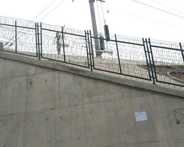 涵洞口护栏网